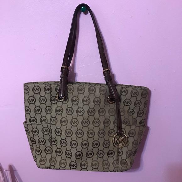 Michael Kors Handbags - Classic Michael Kors Bag